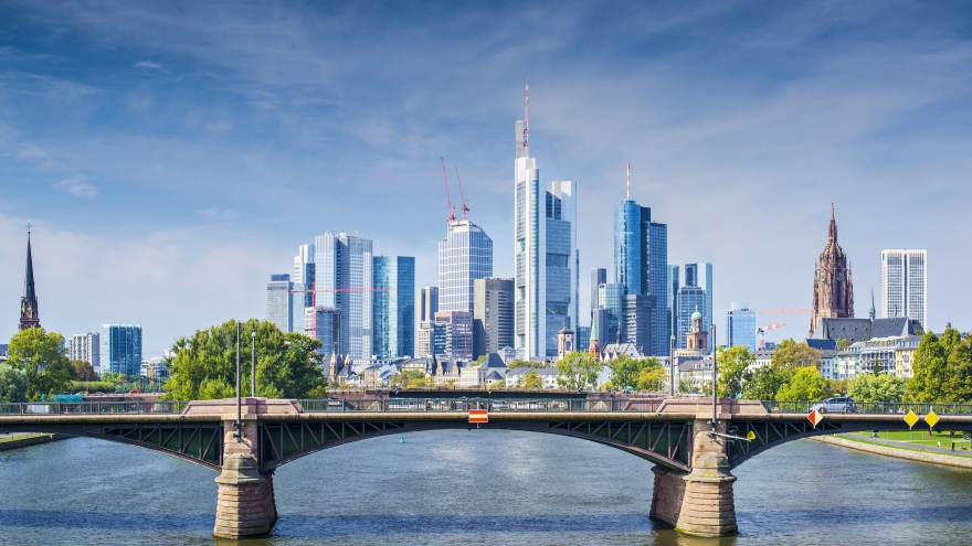 skyline_frankfurt_am_mail